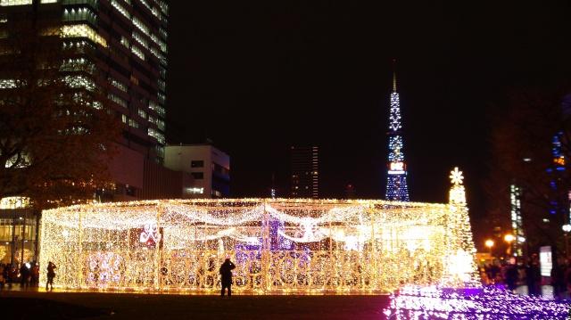 18日に開幕したホワイトイルミネーション。期間中、札幌の街は光の輪で彩られる